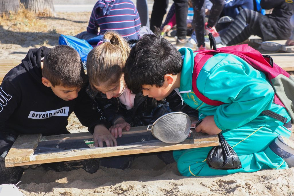 Beach clean up kids for the future